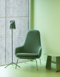 Normann Copenhagen Era Lounge Chair High loungestoel met verchroomd onderstel