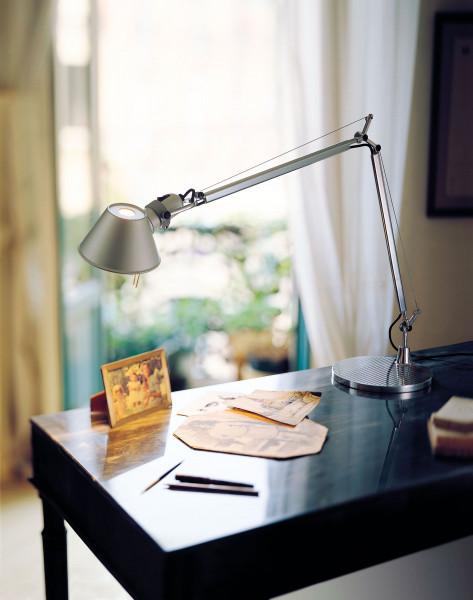 Artemide Tolomeo Micro bureaulamp LED met dimmer en tafelbevestiging
