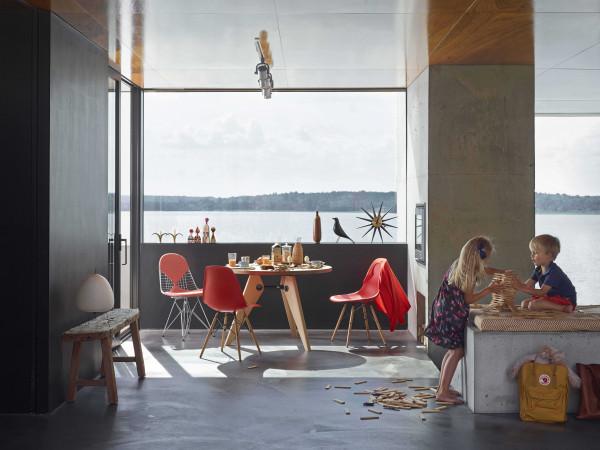 Vitra Eames Wire Chair DKR stoel verchroomd onderstel