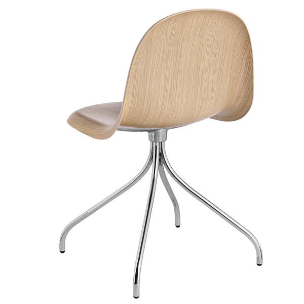 Gubi Gubi 3D Wood Swivel stoel met chroom onderstel