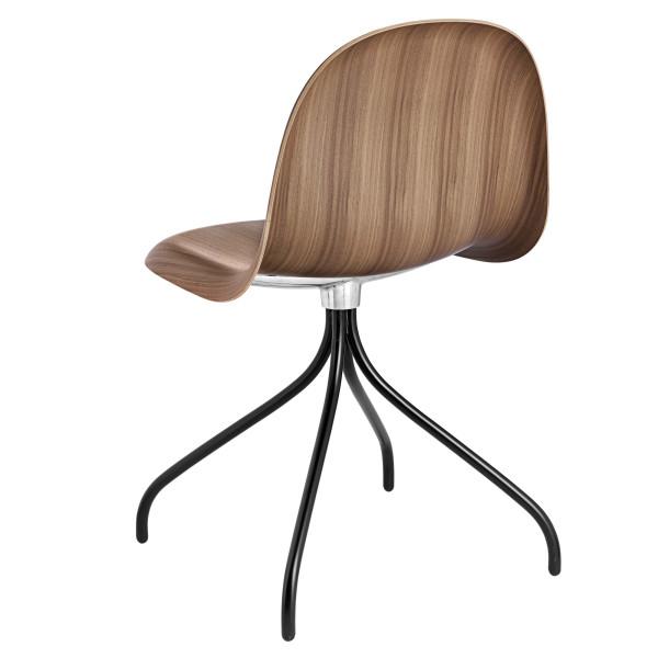Gubi Gubi 3D Wood Swivel stoel met zwart onderstel