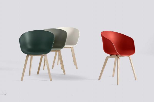 Hay About a Chair AAC22 stoel met mat gelakt onderstel