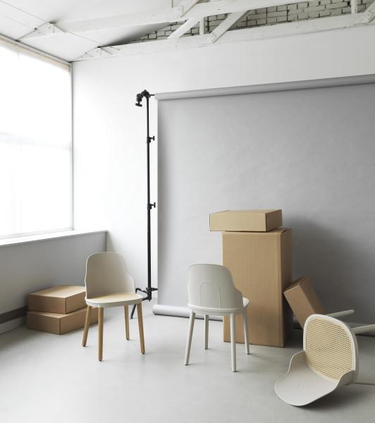 Normann Copenhagen Allez wicker stoel gelakt eiken onderstel
