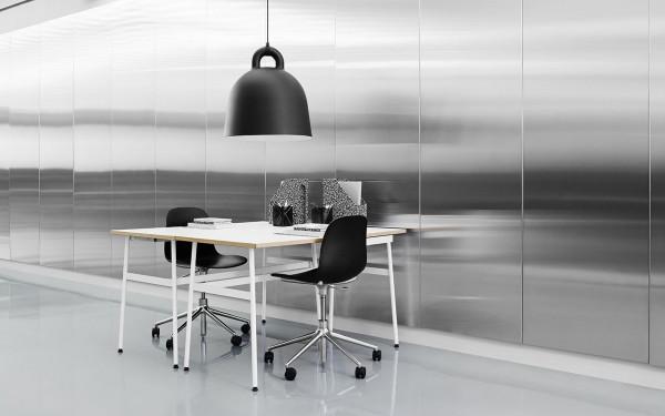 Normann Copenhagen Form Chair Swivel stoel met wit onderstel