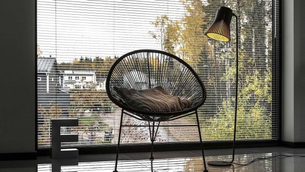 Secto Design Petite 4610 vloerlamp noten