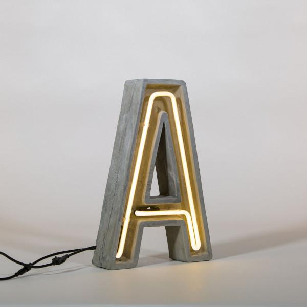 Seletti Alphacrete letter vloerlamp