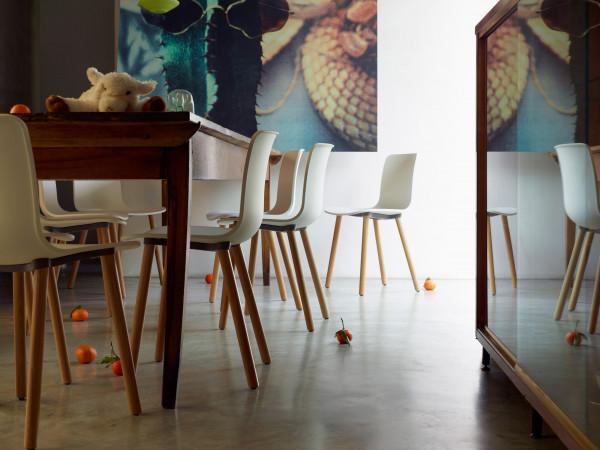 Vitra Hal Wood stoel