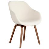 Hay About a Chair AAC123 stoel met walnoot onderstel