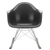 Vitra Eames RAR Fiberglass schommelstoel esdoorn donker