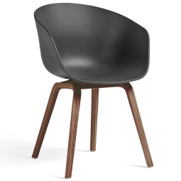 Hay About a Chair AAC22 stoel met walnoot onderstel