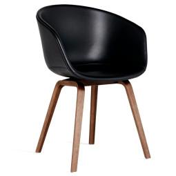 Hay About a Chair AAC23 stoel met walnoot onderstel