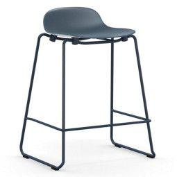 Normann Copenhagen Form Barstool stapelbare barkruk 75 cm met gelakt onderstel