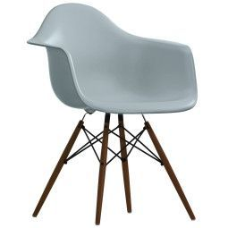 Vitra Eames DAW stoel donker esdoorn onderstel