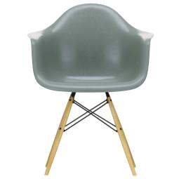 Vitra Eames DAW Fiberglass stoel geelachtig esdoorn